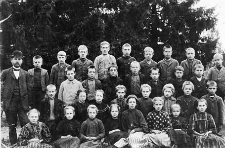 34-02-1909 ca-Takene-Skolfoton-01