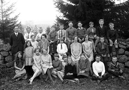 34-02-1930-Takene-Skolfoton-01