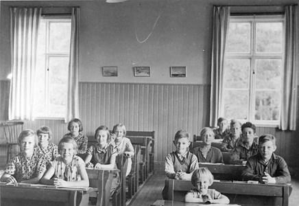 37-05-1937 ca-Vikene-Ga Skolfoton-01