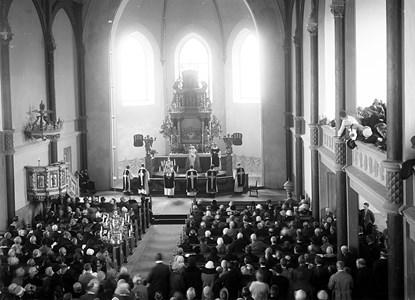 15-04-01-Kyrkan-68-Installation-Svartengren-1925
