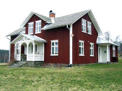 32-35-00-Svartåna-Nystuga-02.jpg
