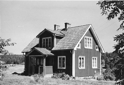 05-035-00-Bäckelid-Där Nole-Lillstuga-02-1955