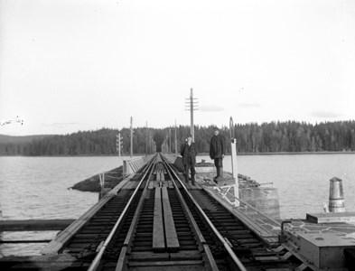 02-08-00-Brunsberg-Järnväg-12-Svängbron