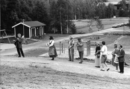 37-06-00-Vikene-Nya Skolan-16-Invigning-2001.jpg