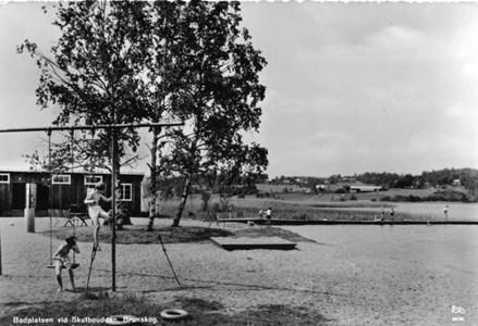 46-01-Vykort-43-Skutbouddens badplats.jpg