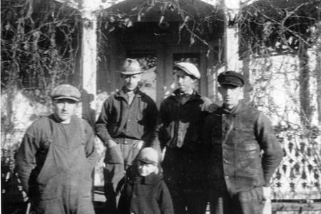 27-02-01-Slorud-Slorudsborg-04-Arbetslag Slorudsborg 1929