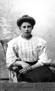29-58-01-1889-Betty Nordensson-01