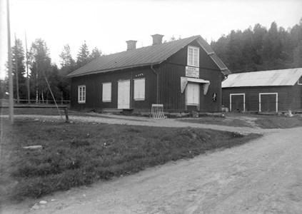 07-140-00-Finnebäck-Dalslund-Konsum nr 8-01