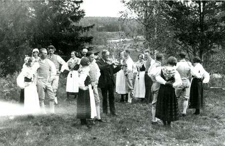 42-08-00-Årnäs-Bygdegård-02-JUFs folkdanslag