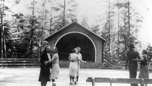37-11-00-Vikene-Fjälldalen-02 dansbana