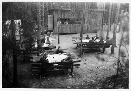 37-11-00-Vikene-Fjälldalen-03-Dansbana ca 1940.jpg