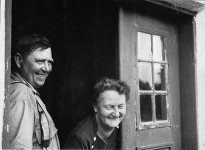 Syskonen Harry och Helena Eklund St Hammars.jpg