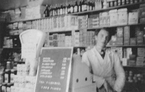 Allan Skogshage i Runnanders affär.jpg