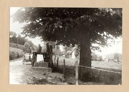 Mjölkbordet vid Alafors bro 1940