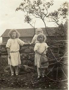 Lindströms. Brita, Inger o Martin Andersson, 1924