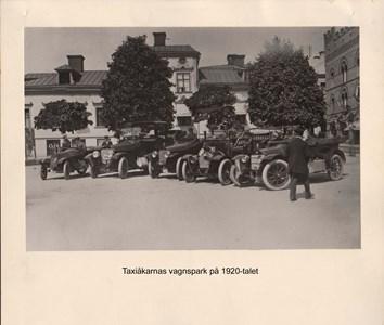 007.04 Stadens fotografier 1 - Taxiåkarna på 1920-talet