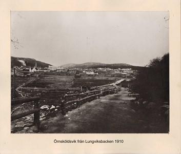 007.10 Stadens fotografier 1 - Örnsköldsvik från Lungviksbacken 1910
