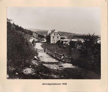 007.12 Stadens fotografier 1 - Järnvägsstationen 1898