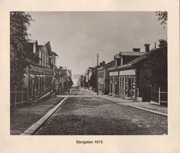 007.27 Stadens fotografier 1 - Storgatan 1915