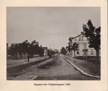007.29 Stadens fotografier 1 - Nygatan 1895