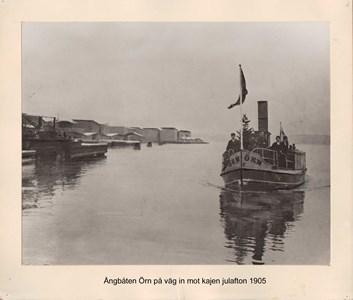 008.02 Stadens fotografier 2 - Ångbåten Örn 1905