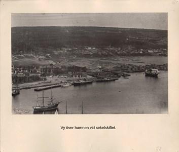 008.04 Stadens fotografier 2 - Vy över hamnen