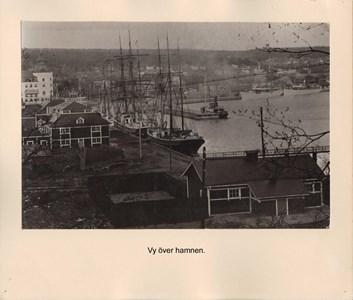 008.06 Stadens fotografier 2 - Vy över hamnen