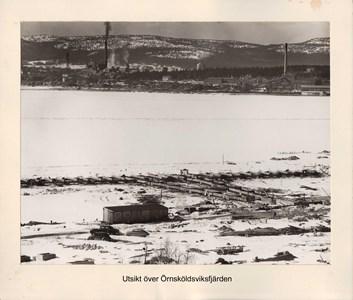 008.15 Stadens fotografier 2 - Utsikt över Örnsköldsviksfjärden
