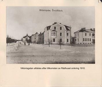 008.26 Stadens fotografier 2 - Viktoriagatan 1910
