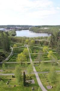 Vy över Degerfors kyrkogård från kyrktornet