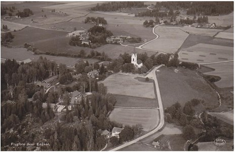 Enåkers kyrka, flygfoto
