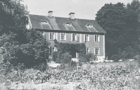 Mangårdsbyggnaden på Hallsjönäs