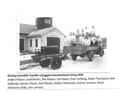 Framför nybyggda brandstationen 1930 15-1443