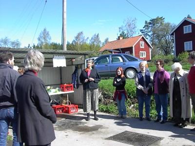 Kajsa håller tal inför invigningen av Hembygdsmagasinet.