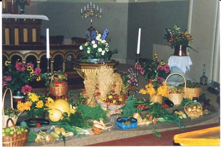 Gödestads kyrka, Smyckning inför tacksägelsedagen
