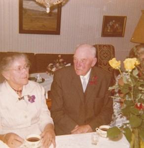 D2000,Gödestad 17:1, Brogård, Fru Rylander och Simmens Karl