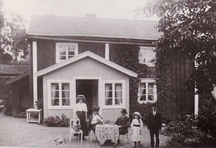 Solvestad gamla byggnad  c.a 1910-15