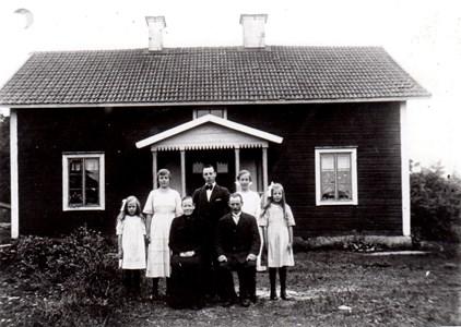 Familjen Erik Karlsson, Lilla Skälby Härad.
