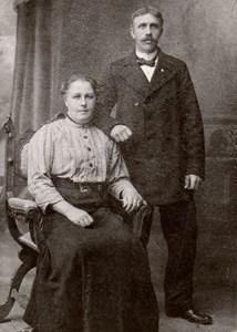 Hilda och Axel Gustavsson i Brunna Ängsstuga, Härad