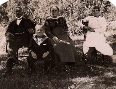 Familjen Gustavsson i Brunna Ängsstuga, Härad.