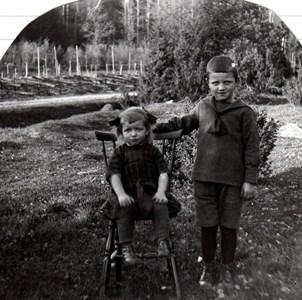 Barnen Frick i Kolartorp Näsbyholm, Härad
