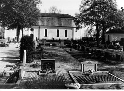 Harbo kyrkogård.
