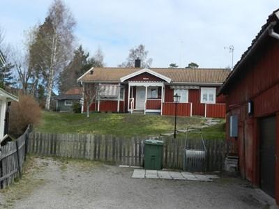 110 Hållsta Ryningsbergsv. 18