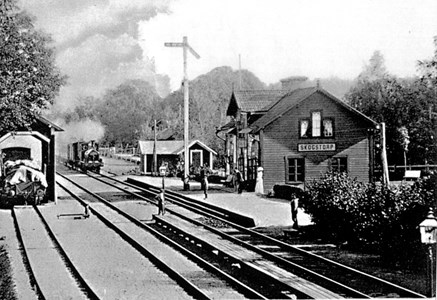 Skogstorp Station