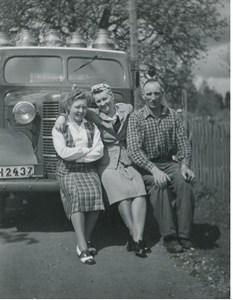Mauritz Palmgren med mjölkbilen