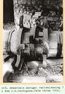 0443 Bennebols masugn, vattenledning 1968.jpg