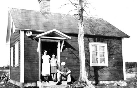 Bastun vid Skyllberg, fr.v. Rut, Ann-Britt, Aldur Andersson