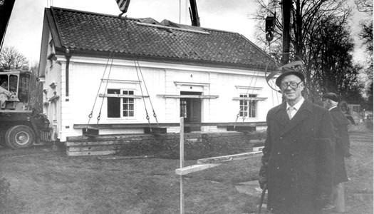 Skyllberg. Flyttning av herrgårdflygeln år 1983