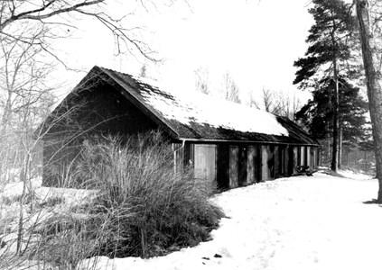 Uthus till arbetarbostaden Amerika i Skyllberg år 1986.