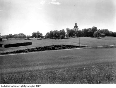 Gästgivaregården vid Lerbäcks Kyrka år 1927